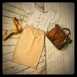 🔥Large pencil skirt in tan- stretchy🔥